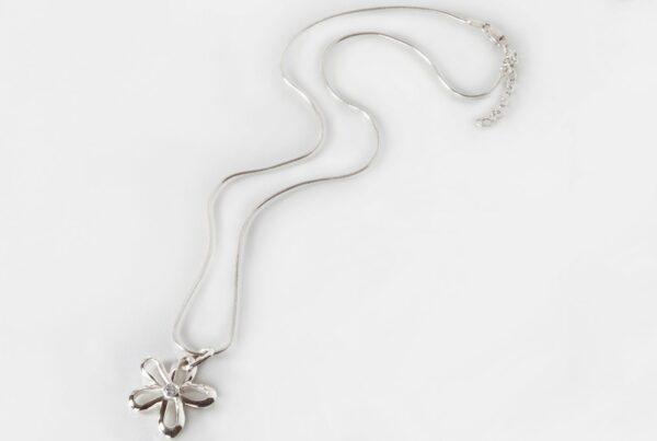 Carlys Flower Pendant