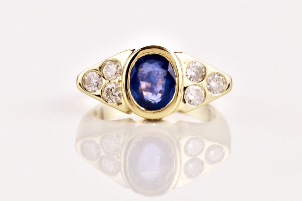 Saphire and diamond 18ct yellow gold handmade,bespoke 600x403